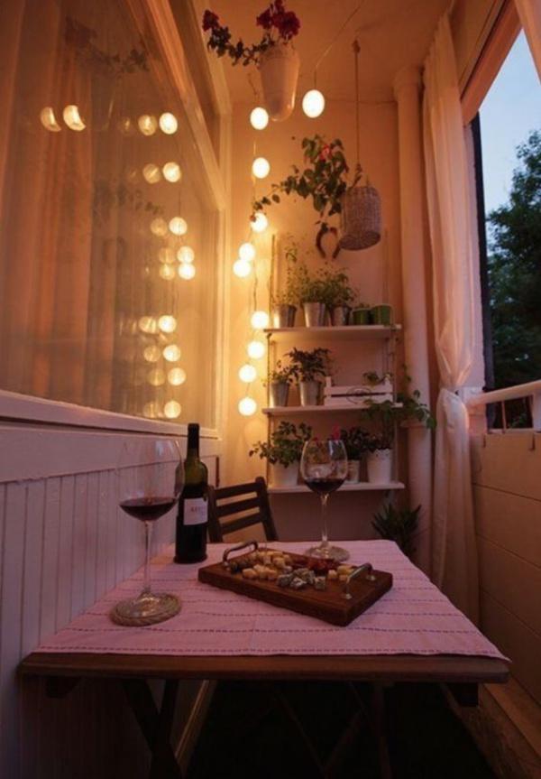 Ban công lung linh, đẹp lãng mạn về đêm với vô vàn ý tưởng thú vị làm đẹp bằng ánh sáng - Ảnh 6.