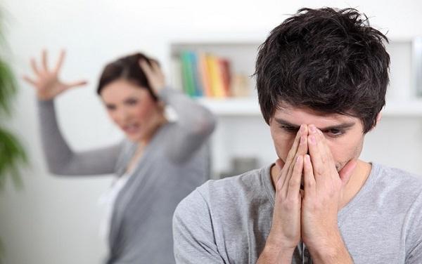 Đêm tân hôn của tôi nhưng vợ cũ của chồng lại say rượu đến mức không biết trời đất - Ảnh 1.