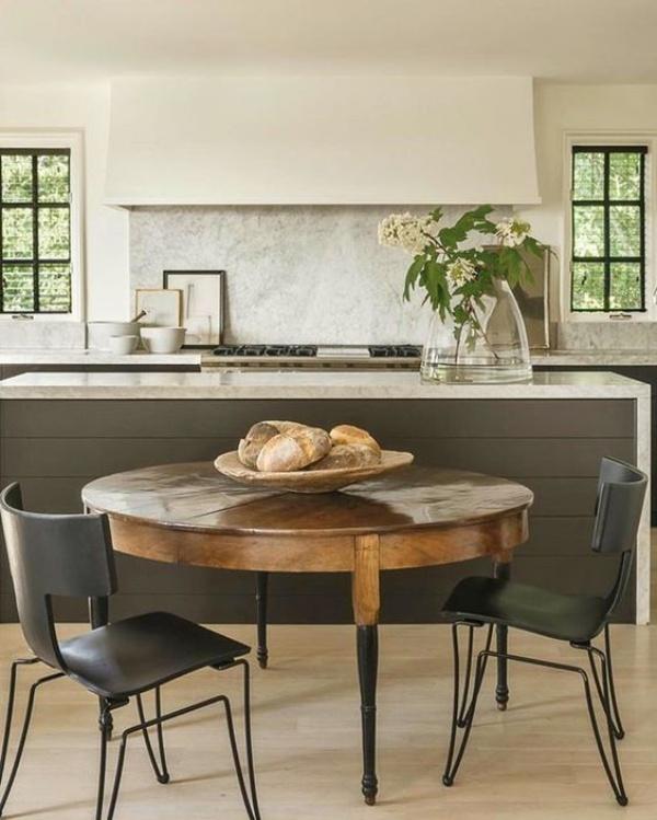 Kết hợp bàn gỗ kiểu cũ với ghế hiện đại - xu hướng mới cho phòng ăn gia đình - Ảnh 8.