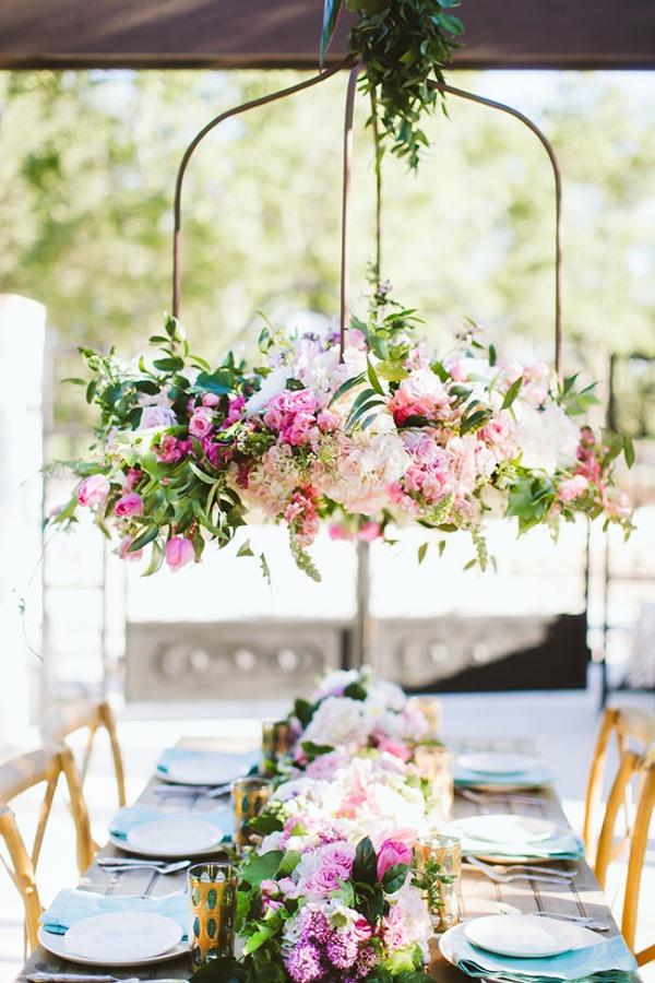 Đèn chùm bằng hoa tươi rực rỡ sắc màu làm duyên cho ngôi nhà của bạn - Ảnh 6.