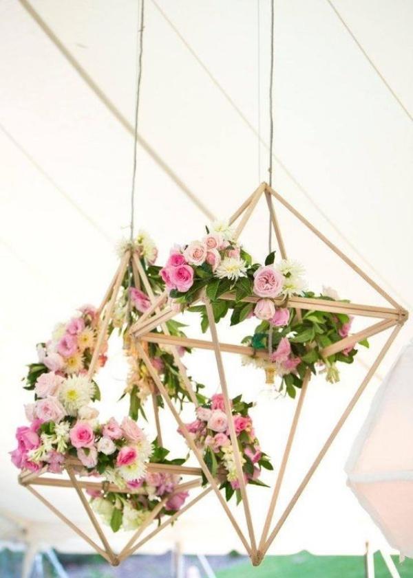 Đèn chùm bằng hoa tươi rực rỡ sắc màu làm duyên cho ngôi nhà của bạn - Ảnh 7.