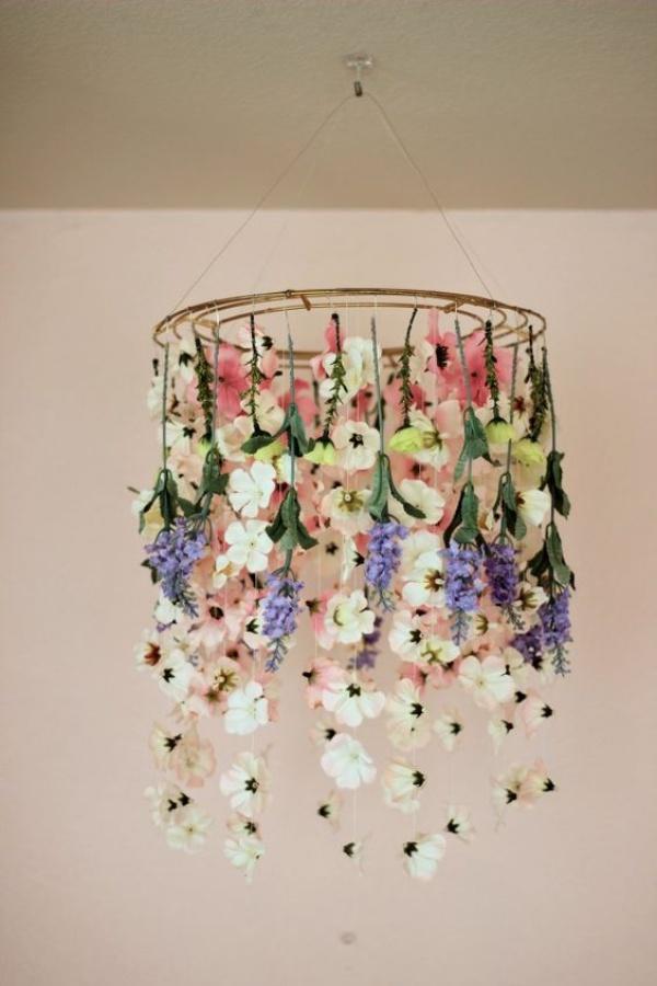 Đèn chùm bằng hoa tươi rực rỡ sắc màu làm duyên cho ngôi nhà của bạn - Ảnh 8.