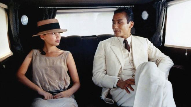Điệp viên 007, Ảnh đế Hong Kong: Triệu mỹ nữ thèm khát nhưng gạt bỏ tất cả, hạnh phúc bên vợ béo, bị chê xấu xí - Ảnh 2.