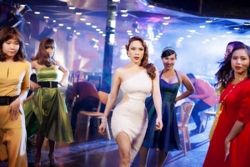 Loạt MV 'lầy lội' chứng minh Mỹ Tâm xứng danh 'mợ chảnh' Chun Song Yi phiên bản Vpop - Ảnh 16.