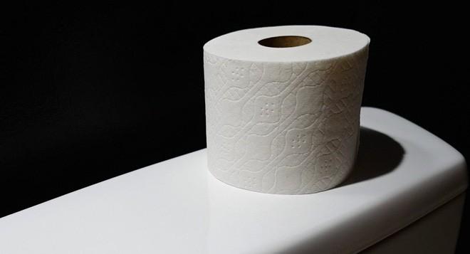 Sự thật ít biết về quá trình cho hóa chất vào giấy vệ sinh: Biết ...