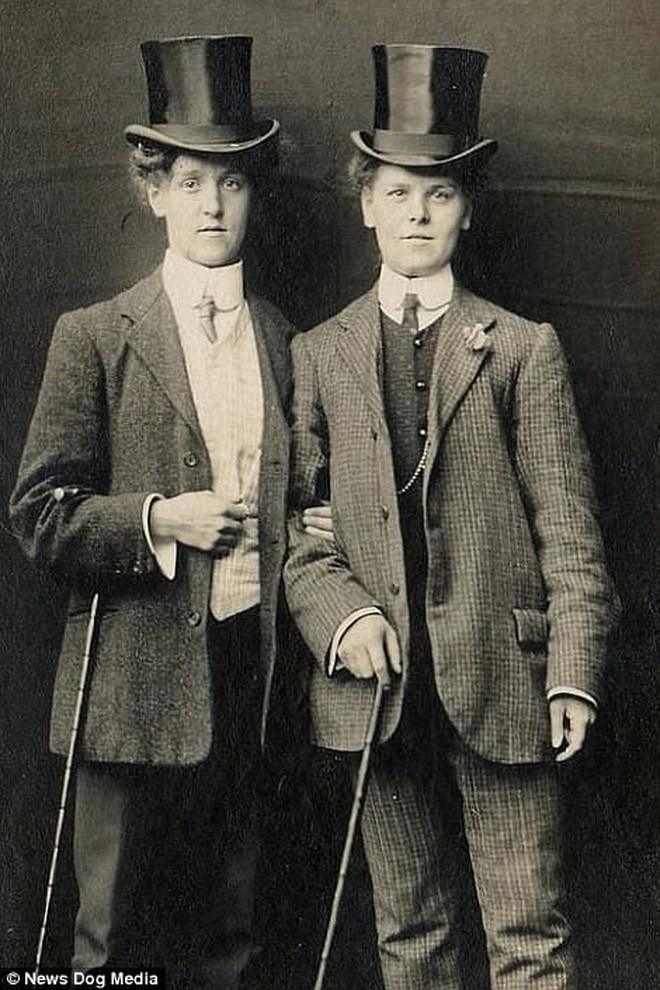 Chuyện kể qua ảnh: những chuyện tình đồng tính nữ phi thường vào thế kỷ 19 - 20 - Ảnh 6.