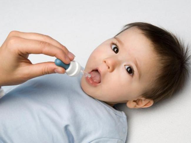 Bác sĩ Việt tại Pháp: Đừng kì thị kháng sinh, bởi dùng thuốc đúng lúc cũng giúp tăng cường hệ miễn dịch của trẻ - Ảnh 3.