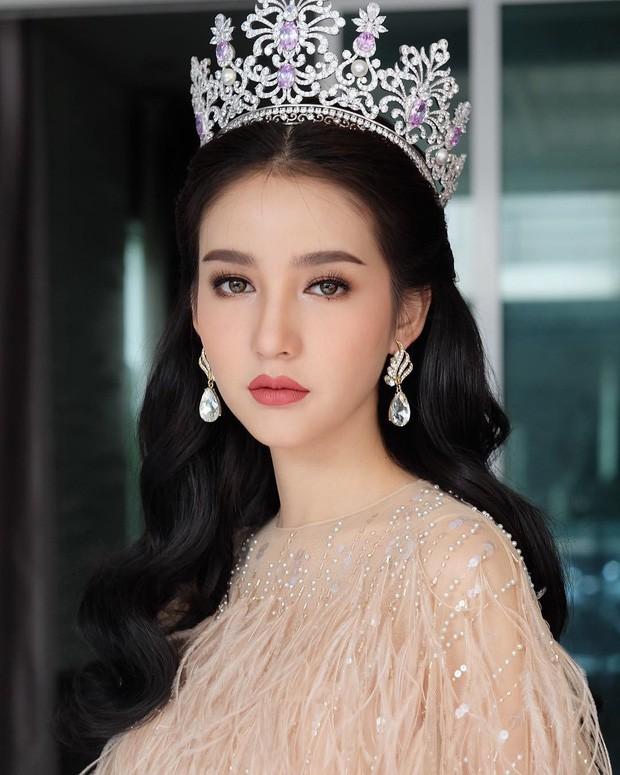 Ngắm nhan sắc hoa hờn nguyệt thẹn của mỹ nhân sẽ đọ sắc cùng Hương Giang Idol  - Ảnh 4.