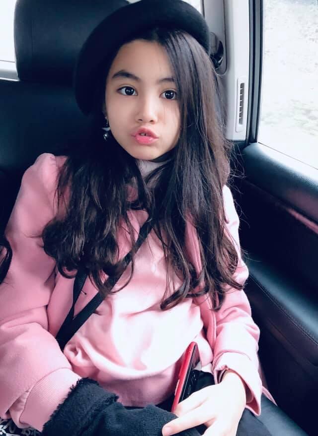 Bà xã Quyền Linh khoe ảnh cả gia đình ghé Mộc Châu, 2 con gái càng lớn càng nét xinh như hoa hậu - Ảnh 11.