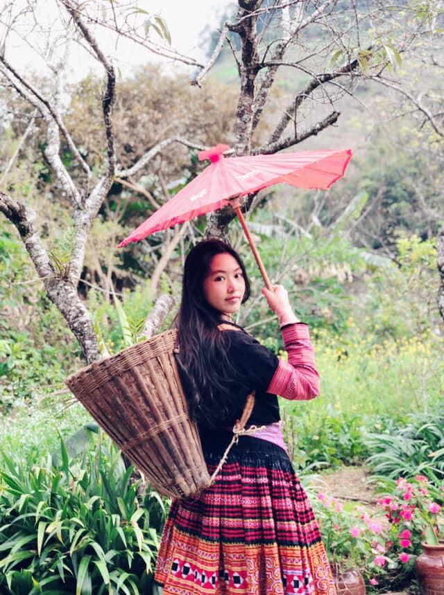 Bà xã Quyền Linh khoe ảnh cả gia đình ghé Mộc Châu, 2 con gái càng lớn càng nét xinh như hoa hậu - Ảnh 3.