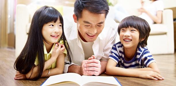 Cha mẹ mà hay làm điều này vô tình sẽ biến con mình thành một đứa trẻ hay ghen tị với mọi thứ xung quanh - Ảnh 2.