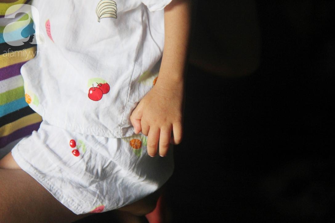 Phép màu đến với bé gái 2 tuổi bị hở van tim, chỉ nặng 6 ký mà mẹ nghèo không có tiền chữa trị - Ảnh 8.