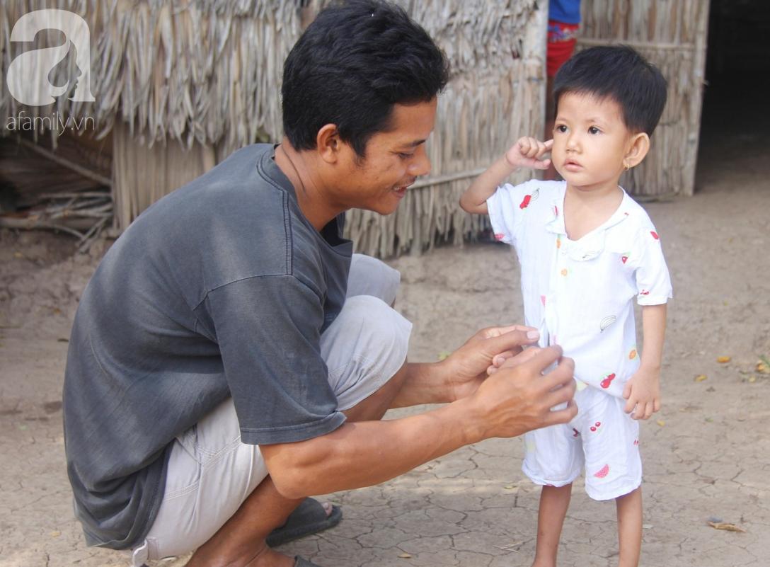 Phép màu đến với bé gái 2 tuổi bị hở van tim, chỉ nặng 6 ký mà mẹ nghèo không có tiền chữa trị - Ảnh 4.