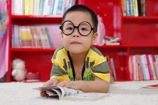 Trẻ sinh non có nguy cơ chỉ số IQ thấp hơn, nhưng cha mẹ có thể giúp con cải thiện bằng những cách này - Ảnh 4.
