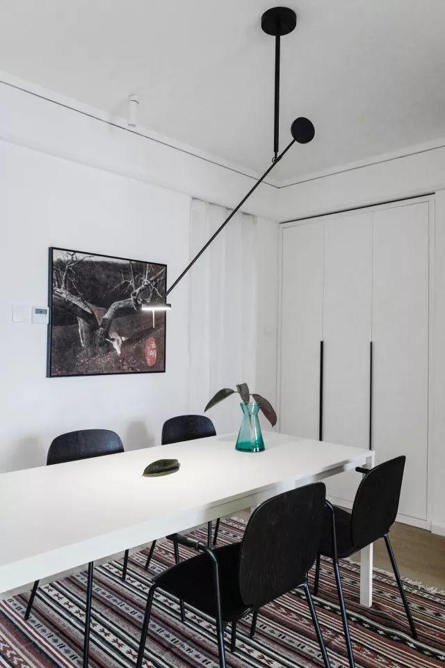 Căn hộ tập thể 50m² cũ kỹ được lột xác bất ngờ với thiết kế các phòng chức năng đẹp như mơ  - Ảnh 13.