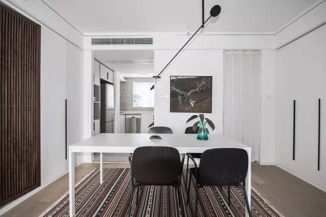 Căn hộ tập thể 50m² cũ kỹ được lột xác bất ngờ với thiết kế các phòng chức năng đẹp như mơ  - Ảnh 11.
