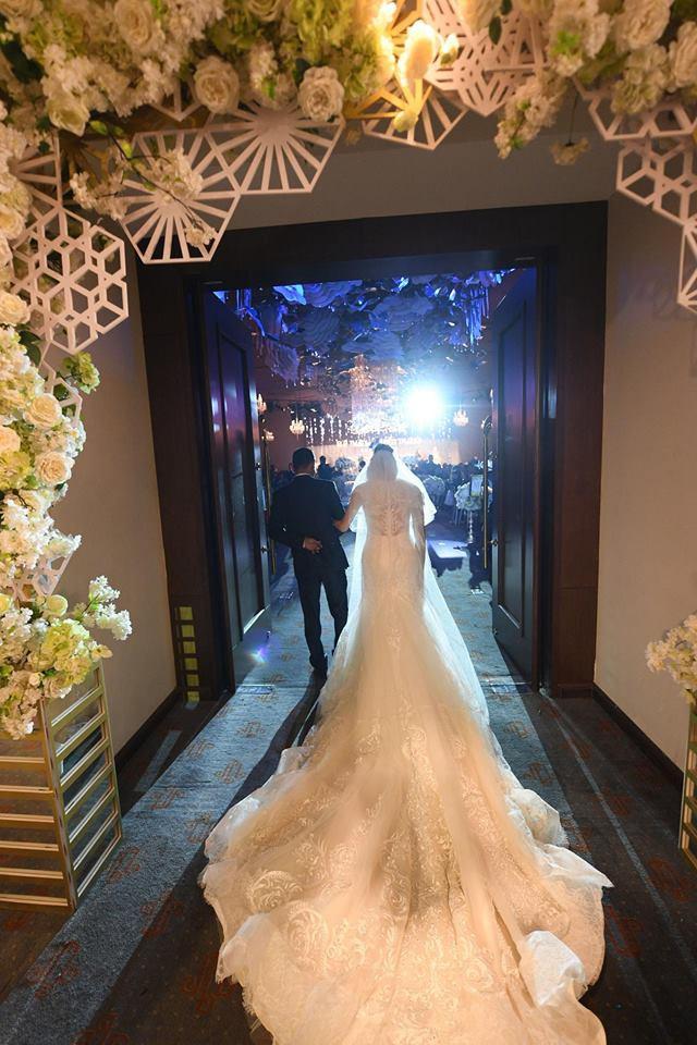 Lần đầu tiên hình ảnh đám cưới nữ nhà văn ngàn share được hé lộ lung linh như thế này đây - Ảnh 2.