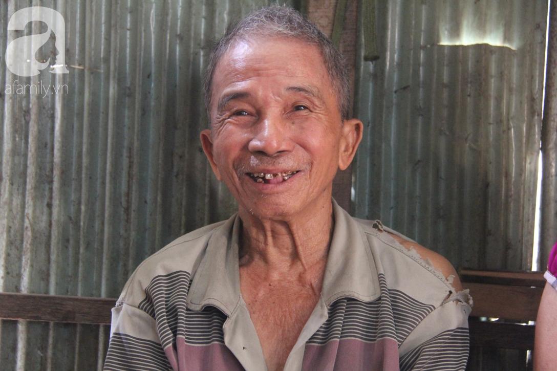 Người cha già còng lưng chăm con gái bệnh tật: Cuối đời, tôi mới được ăn một bữa cơm ngon - Ảnh 3.