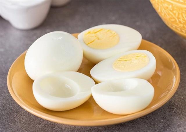 Nếu bạn thường xuyên ăn kiêng bằng lòng trắng trứng gà như chàng trai này thì đừng bỏ qua khuyến cáo từ chuyên gia - Ảnh 4.