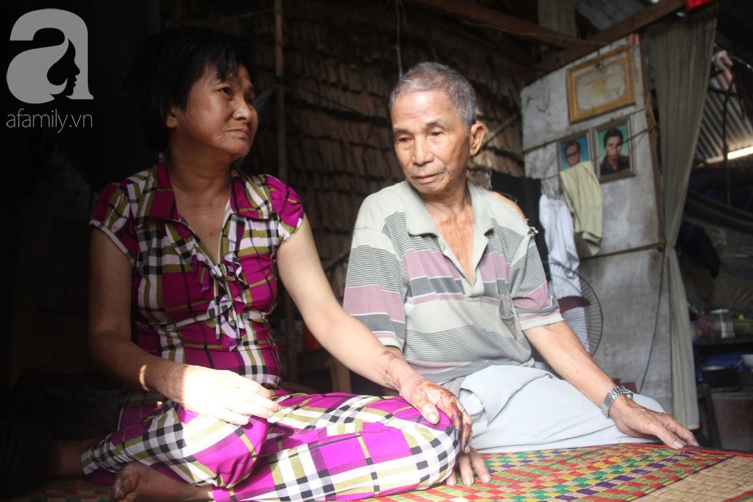 Người cha già còng lưng chăm con gái bệnh tật: Cuối đời, tôi mới được ăn một bữa cơm ngon - Ảnh 7.