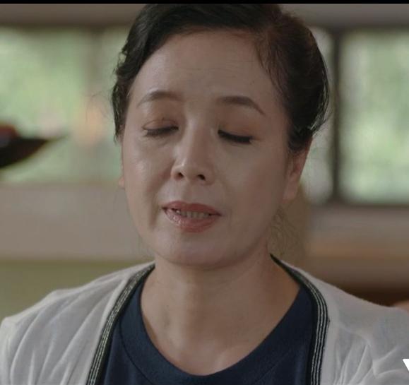 Ngỡ rất hoàn hảo nhưng bà Phương (NSƯT Chiều Xuân) vẫn mắc phải lỗi làm đẹp phổ biến này trong Chạy Trốn Thanh Xuân - Ảnh 2.