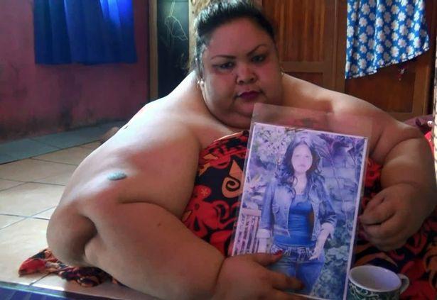 Lời khẩn cầu đau đớn của người phụ nữ béo nhất Indonesia, 6 năm không bước ra khỏi nhà, phải nằm sấp để ngủ - Ảnh 1.