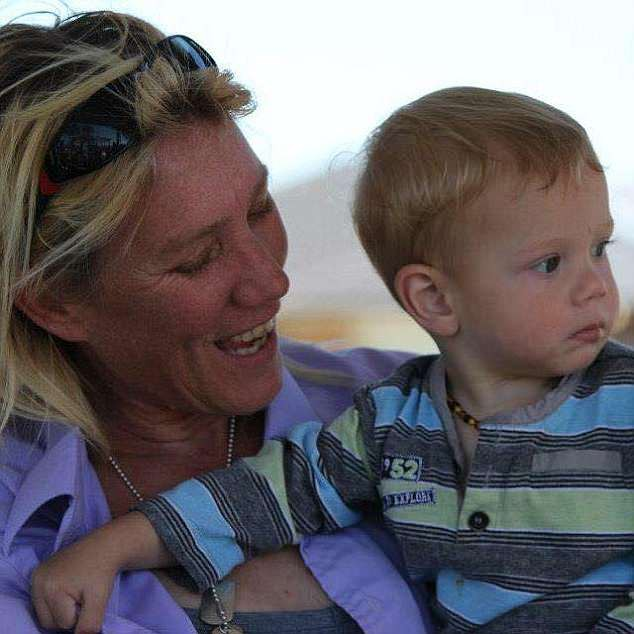Bị chửi bệnh hoạn khi vẫn cho con 7 tuổi bú, người mẹ lên tiếng đáp trả cực gắt khiến ai nấy đều nín lặng - Ảnh 3.