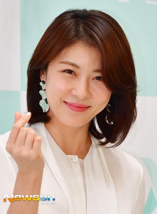 Dàn mỹ nhân sắc nước hương trời U40, U50 nhưng vẫn chọn cô đơn lẻ bóng của showbiz Hàn - Ảnh 11.