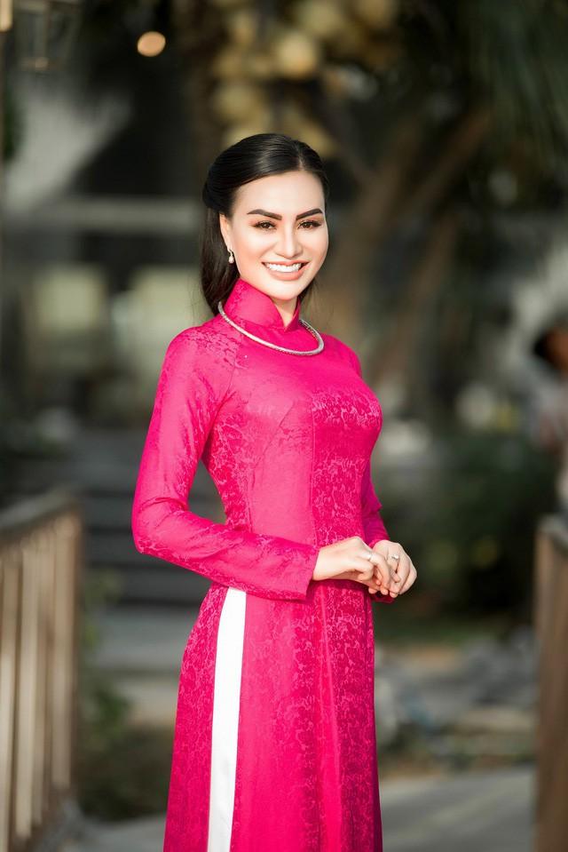"""""""Nữ hoàng áo dài""""TrầnHuyềnNhungđẹp xuất sắc trong một sáng tạo của NTK Nguyễn Tuấn - Ảnh 4."""