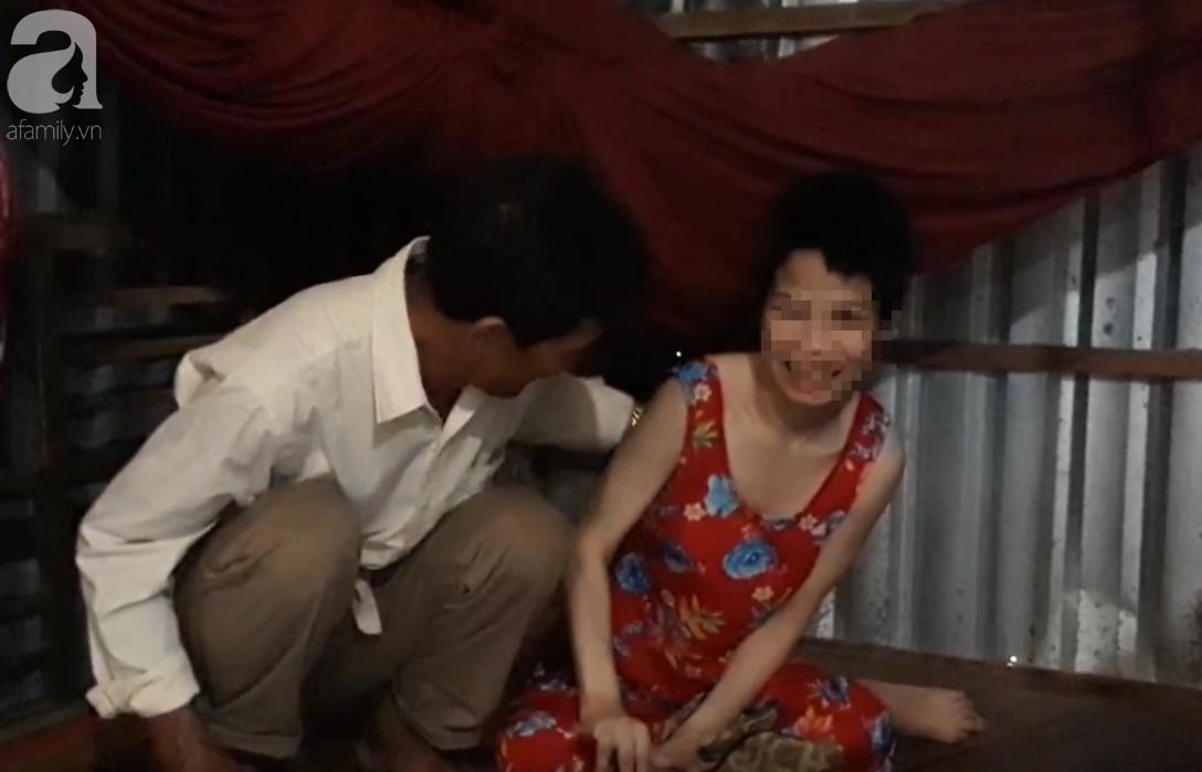 Khởi tố gã hàng xóm đồi bại hiếp dâm cô gái bại não đến mang thai nhiều lần