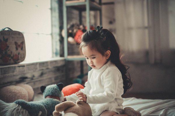 """7 dấu hiệu """"rõ rành rành"""" trẻ là người hướng nội mà cha mẹ thường không nhận ra - Ảnh 7."""