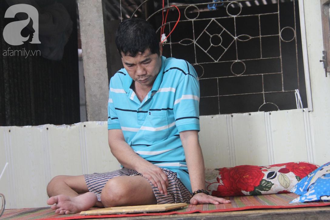 Người vợ nuôi chồng bại liệt cùng 2 con trai tâm thần: Tết này, con cô không còn nhịn đói nữa - Ảnh 5.