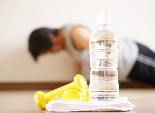 Những thói quen xấu chắc chắn khiến bạn béo lên chứ không còn gọn gàng như trước - Ảnh 2.