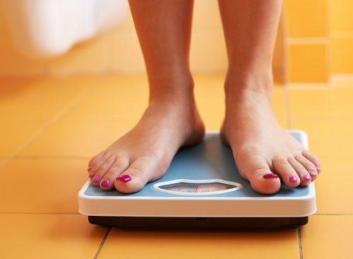 Những thói quen xấu chắc chắn khiến bạn béo lên chứ không còn gọn gàng như trước - Ảnh 1.