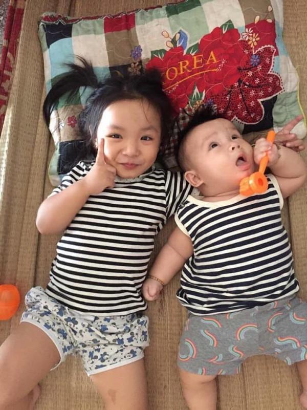 Nhờ con gái 2 tuổi rưỡi trông em trai, vừa vào nhà tắm chui ra, mẹ trẻ hốt hoảng vì cảnh tượng không ngờ - Ảnh 6.