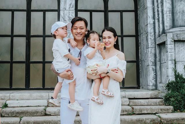 Tuấn Hưng bất ngờ tiết lộ bà xã Thu Hương đang mang thai lần 3  - Ảnh 1.