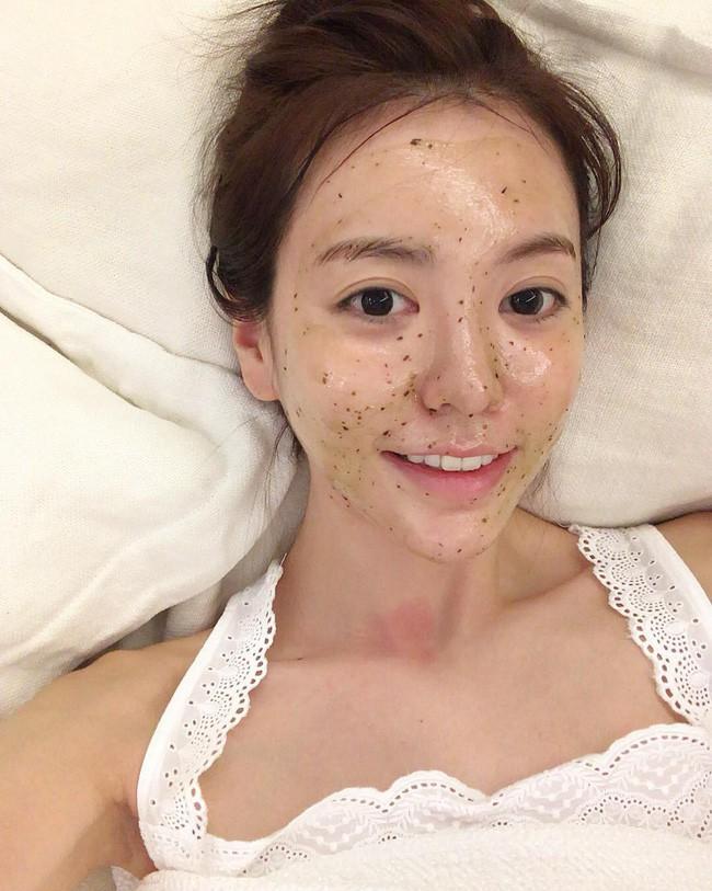 Cần kíp nhất lúc này là lộ trình skincare 10 bước, giúp lột xác mĩ mãn cho da để bạn thật xinh tươi đón Tết - Ảnh 5.