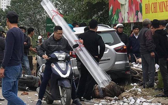"""Hà Nội: Tài xế """"xe điên"""" đâm liên hoàn xe máy, khiến cặp vợ chồng tử vong còn rất trẻ?"""