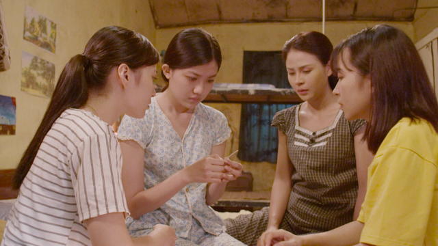 Những cô gái trong thành phố: Cười ngất trước cảnh trai nghèo Bình An đưa bạn gái đi xem phim giảm giá - Ảnh 11.