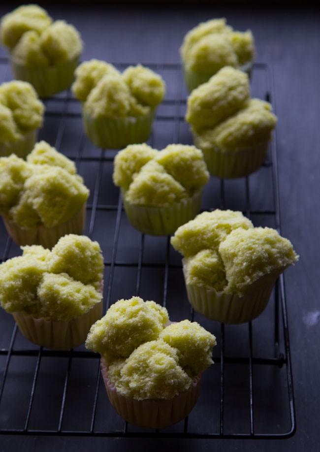 Thấy tôi làm bánh bông lan không cần lò nướng, mẹ chồng xin ngay công thức - Ảnh 8.