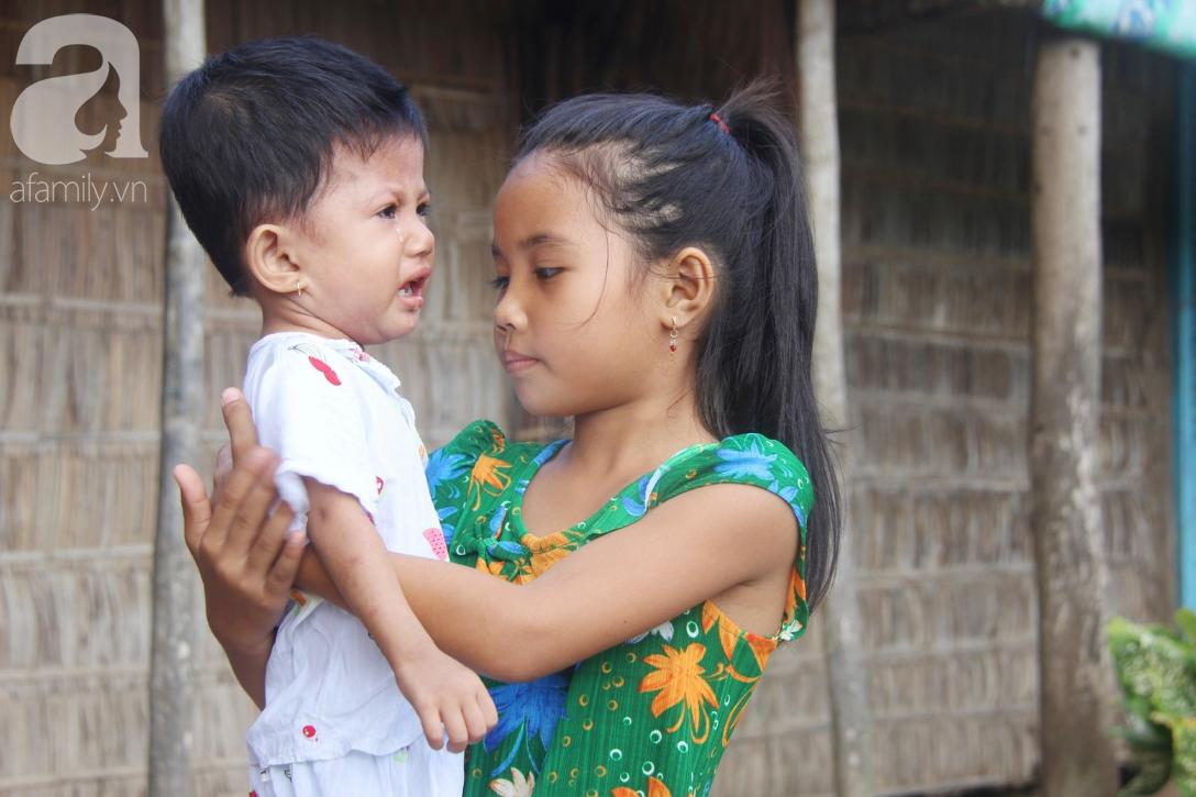 Lời khẩn cầu của người mẹ ôm con gái 2 tuổi bị hở van tim, chỉ nặng 6 ký mà không đủ tiền phẫu thuật - Ảnh 9.