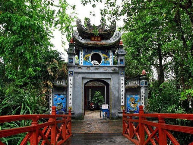 Hà Nội sẽ cấm hút thuốc lá hoàn toàn ở 30 điểm du lịch nổi tiếng - Ảnh 2.