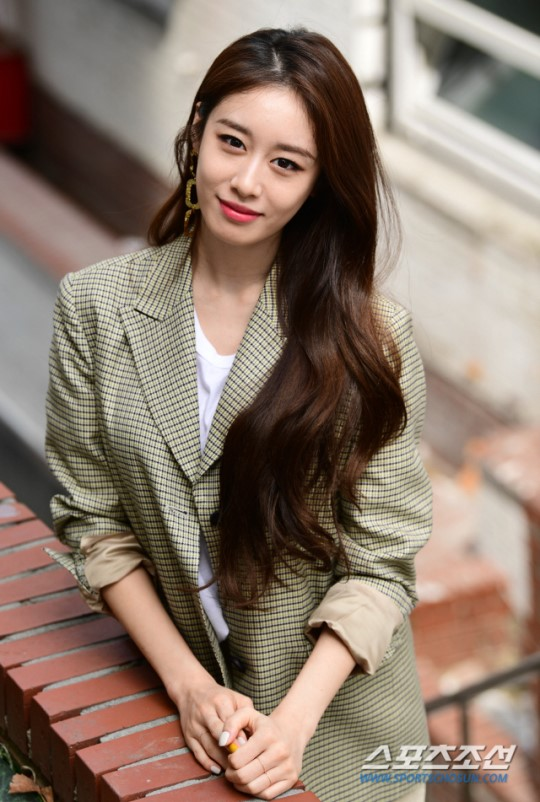 Jiyeon thông báo comeback sau 5 năm nhưng vẫn khiến fan nhói lòng khi nói đến việc tái hợp của T-ARA - Ảnh 1.