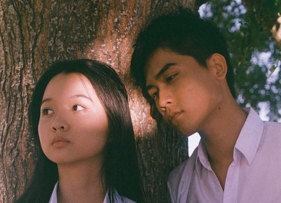 """""""Truyện Ngắn"""" và cú liều của Hà Anh Tuấn: Cuộc dạo chơi của những người trẻ bằng âm nhạc và phim ảnh  - Ảnh 2."""