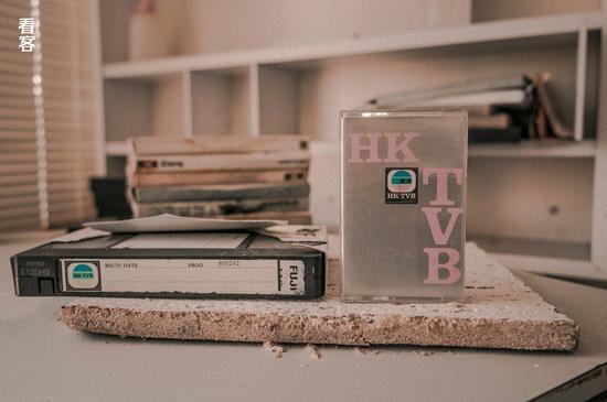 Phim trường cũ TVB bị bỏ hoang: Ngoài ký ức thời hoàng kim còn sót lại là lời đồn về câu chuyện kinh dị cùng cảnh hoang tàn ghê rợn - Ảnh 11.