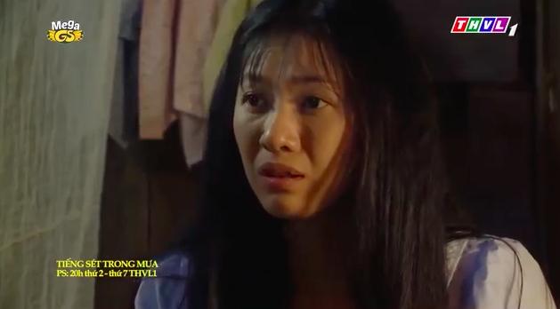 """""""Tiếng sét trong mưa"""": Mới 16 tuổi đã đòi ngủ với con gái Thị Bình, Xuân lao vào ôm Phượng khiến fan lo sợ - Ảnh 3."""