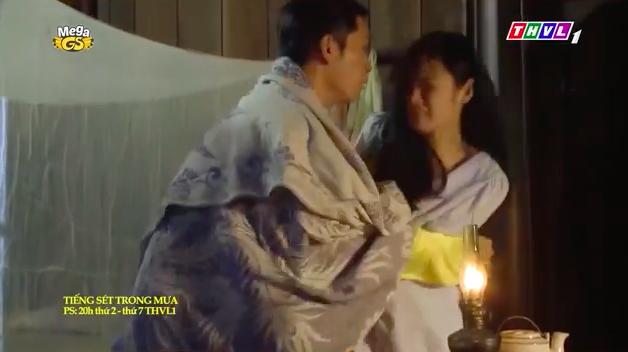 """""""Tiếng sét trong mưa"""": Mới 16 tuổi đã đòi ngủ với con gái Thị Bình, Xuân lao vào ôm Phượng khiến fan lo sợ - Ảnh 5."""