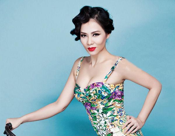 Hoa hậu Đỗ Mỹ Linh, Tiểu Vy cùng Tóc Tiên đẹp không góc chết tại đại tiệc sắc đẹp - Ảnh 1.