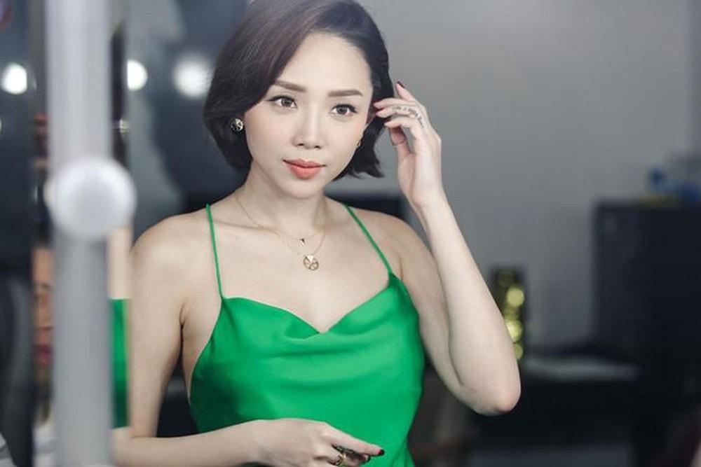 Hoa hậu Đỗ Mỹ Linh, Tiểu Vy cùng Tóc Tiên đẹp không góc chết tại đại tiệc sắc đẹp - Ảnh 2.