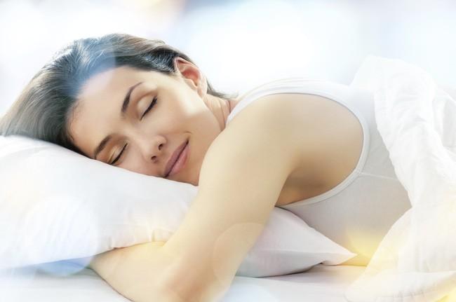 4 dấu hiệu nhỏ khi đi ngủ cho thấy bạn sẽ sống rất thọ - Ảnh 2.